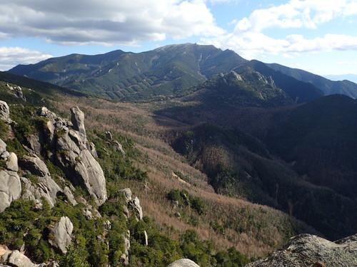 瑞牆山山頂から見る金峰山